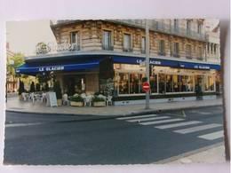 "CPM - DIJON - "" Le Glacier "" Place Darcy - Dijon"