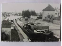 """La Péniche """" Gigi"""" Apporte à Dijon """" Le Grenadier Du Pont De L' Alma """" 1970 - Hausboote"""
