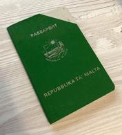 Cancelled Malta 1986 Passport / Passeport / Reisepass / Pasaporte / Passaporto - Documenti Storici