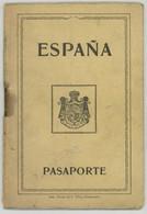 Passeport Espagnol Valable Pour La France. España. Pasaporte. Délivré à Santander En 1930. Cachets. - Documents Historiques