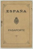 Passeport Espagnol Valable Pour L'Espagne. España. Pasaporte. Délivré à Burdeos (Bordeaux) En 1925. Cachets. - Documents Historiques