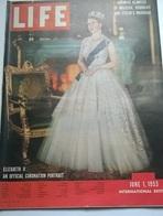LIFE JUNE 1 1953 QUEEN ELIZABETH/D.LUDLUM/J.MLATHIAS/HAMILTON COLLEGE/DIOR OPENING IN CARACAS - Livres, BD, Revues