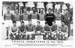 Photo Ancien France Angleterre 15 Mai 1955 équipe De France Plémelding Penverne Louis Jonquet Marche Batteux Kopa Bliard - Sports