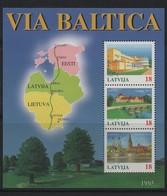 LOT 581 - LETTONIE BF N° 4 ** - PAYSAGES ET VILLES DES PAYS BALTES - ARBRES - EGLISE - Latvia