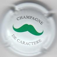 CAPSULE  MUSELET . CHAMPAGNE . DE CARACTERE ( Pas De Nom Du Recoltant  Ou De L'endroit ) - Champagne