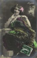 Farfalla Epaules Nues  Petit Noeud Rose Dans Les Cheveux 1 RV - Artistes