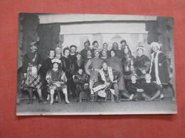 RPPC  Group Of Actors >  Ref  3856 - Entertainers