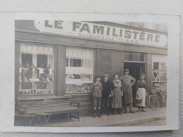 LE FAMILISTERE SUCCURSALE NUM 442 AVEC LES PROPRIÉTAIRES - Winkels