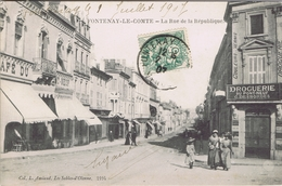 85 - Fontenay-le-Comte (Vendée) - La Rue De La République - Fontenay Le Comte
