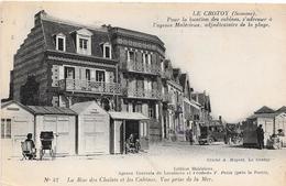 80 LE CROTOY - La Rue Des Chalets Et Les Cabines - Vue Prise De La Mer - Le Crotoy