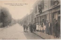 I25-77) VARREDDES ( C0QUILLE - VAREDDES ) LA ROUTE DE MEAUX ET L'HOTEL DU CHEVAL BLANC  - (TRES ANIMEE - 2 SCANS) - Other Municipalities
