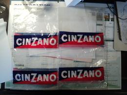PAIRE DE VIEUX SACS PLASTIQUES CINZANO AHN ANGOULEPE BP 124. - Autres Collections