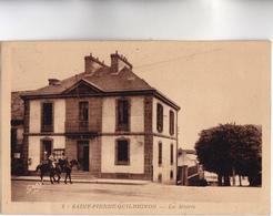 CPA - 22 - SAINT-PIERRE-QUILBIGNON - La Mairie Et Gendarmes à Cheval - Carte Peu Commune - Voy 1961 - Police - Gendarmerie
