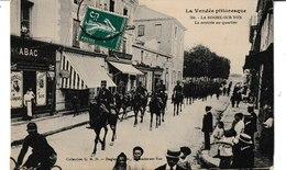 Vendée Pittoresque LA ROCHE SUR YON La Rentrée Au Quartier (cavaliers) - La Roche Sur Yon
