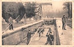 Maubray NA2: Le Pont Et L'Ecluse De Vezonchaux ( Péniche ) - Antoing