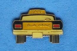 TAXI   Port Et Frais Inclus - Pins