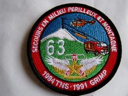 ECUSSON POMPIER TISSUS PATCH DES SAPEURS POMPIERS LE GRIMP DU 63 PUY DE DOME SUR VELCROS - Firemen