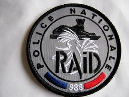 ECUSSON TISSUS PATCH POLICE NATIONALE LE RAID 988 NOUVELLE CALEDONIE ETAT EXCELLENT (SUR VELCROS) - Police