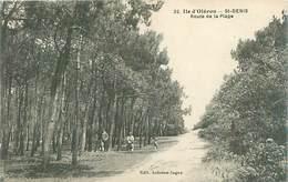 Cpa -    Ile D 'Oleron -  Route De Laplage , Animée        N1252 - Ile D'Oléron
