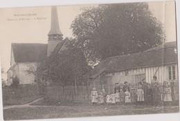 CP 10 MAGNICOURT Maison Ecole Eglise PLI à Droite Voir Scan - France