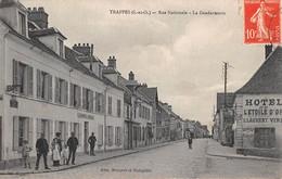 78 - CPA TRAPPES Rue Nationale La Gendarmerie - Trappes