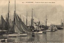 44 - SAINT NAZAIRE - YACHTS DE COURSE DANS LE VIEUX BASSIN - Saint Nazaire
