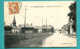 59 - MAROILLES  Grand Rue Et Place Verte   2 Scans  Voyagée  1928 - France