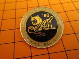 BRO120 Pas Pin's Mais BROCHE état Neuf / THEME SPORTS D'HIVER / COURSE DE CHIENS DE TRAINEAU MEMORIAL MAIL RACE ALASKA - Wintersport