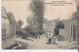 MORCOURT. CP Picardie Illustrée La Rue Principale Et L'église (coin Haut Droit Marqué Voir Scan) - France
