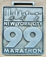 MEDAILLE ATHLETISME NEW YORK CITY 99 MARATHON FINISHER TIME ROAD RUNNERS CLUB FRED LEBOW 1932-1994 - Athlétisme