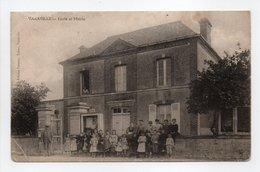 - CPA VARAVILLE (14) - Ecole Et Mairie (belle Animation) - Edition Grenier / Voisin - - Francia