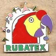 Q217 Pin's Perruche Perroquet Parrot Parakeet RUBATEX à BOBIGNY Et Kitchener Canada Qualité EGF Achat Immédiat - Animaux