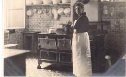"""ANTWERPEN-ANVERS""""KEUKEN ANNO 1918 -CUISINIERE"""" - Lieux"""