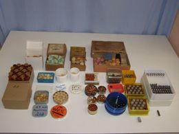 Lot Anciens Accessoires, Projectiles En Plomb, Amorces, Divers - Militaria