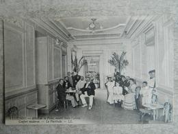 LUCHON      HOTEL DE LA POSTE     OUVERT TOUTE L'ANNEE      CONFORT MODERNE    LE VESTIBULE - Luchon