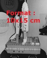 Reproduction D'une Photographie Ancienne De La Navette Columbia En Lego En 1981 - Riproduzioni