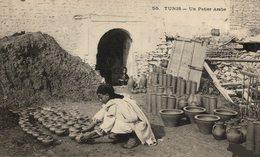 TUNEZ // TUNIS. UN POTIER ARABE - Tunisia