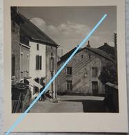 Photo VIRTON Vieille Rue Animée Circa 1950 Ardenne Luxembourg Gaume - Orte