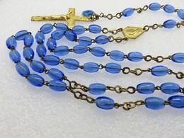 381 - Ancien Chapelet Perles Verre Translucide Bleu - Méd. Métal Doré - Méd. Emaillée Bleu - Religion & Esotericism