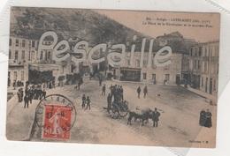 09 ARIEGE - CP ANIMEE LAVELANET - LA PLACE DE LA REVOLUTION ET LE NOUVEAU PONT - COLLECTION V.M. N°84 - CIRCULEE EN 1913 - Lavelanet