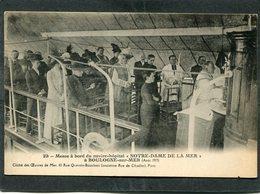 """CPA - BOULOGNE SUR MER - Messe à Bord Du Navire Hôpital """"NOTRE DAME DE LA MER"""", Août 1913, Très Animé - Boulogne Sur Mer"""