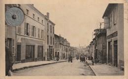 71 - Carte Postale Ancienne De  CHAUFFAILLES   Rue De La Gare - Francia