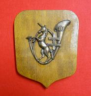 RARE 10 BCA Bataillon Chasseurs Alpins Dissous En 1947 Médaille Insigne Cuivre Rouge Sur Bois 19x15,5cm Licorne - France