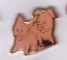 B142 Pin's COCHON PORC PIG 2 COCHONS Achat Immédiat - Animaux