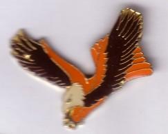 B237 Pin's OISEAU AIGLE EAGLE Bird Achat Immédiat - Animaux