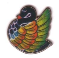 B211 Pin's OISEAU CYGNE SWAN CANARD Duck Bird Achat Immédiat - Animaux