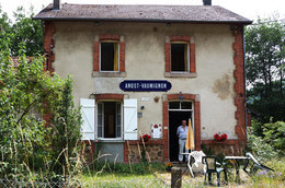 - 71 - Anost (71) - Carte Postale Moderne - Métier - Horeca - Gare - 7.644 - Francia
