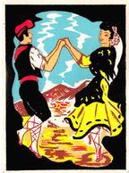 Non Classés.         66       Couple Danse Catalane 10x15 Aspect Velours Au Toucher    (voir Scan) - Ohne Zuordnung