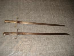 2 BAIONETTES GUERRE 1870 ALLEMANDE LAMES AVEC DECORS - Blankwaffen