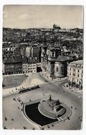 (RECTO / VERSO) TCHECOSLOVAQUIE EN 1959 - STAROMESTSKE NAMESTI - BEAU TIMBRE ET FLAMME - PLI A DROITE - CPSM GF VOYAGEE - Czech Republic